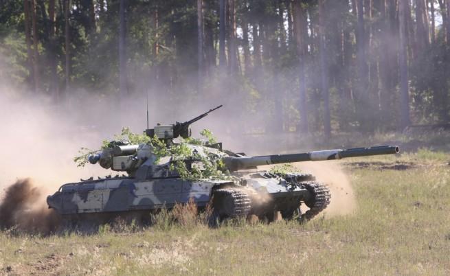 Снимки пораждат съмнения за руски танкове в Украйна