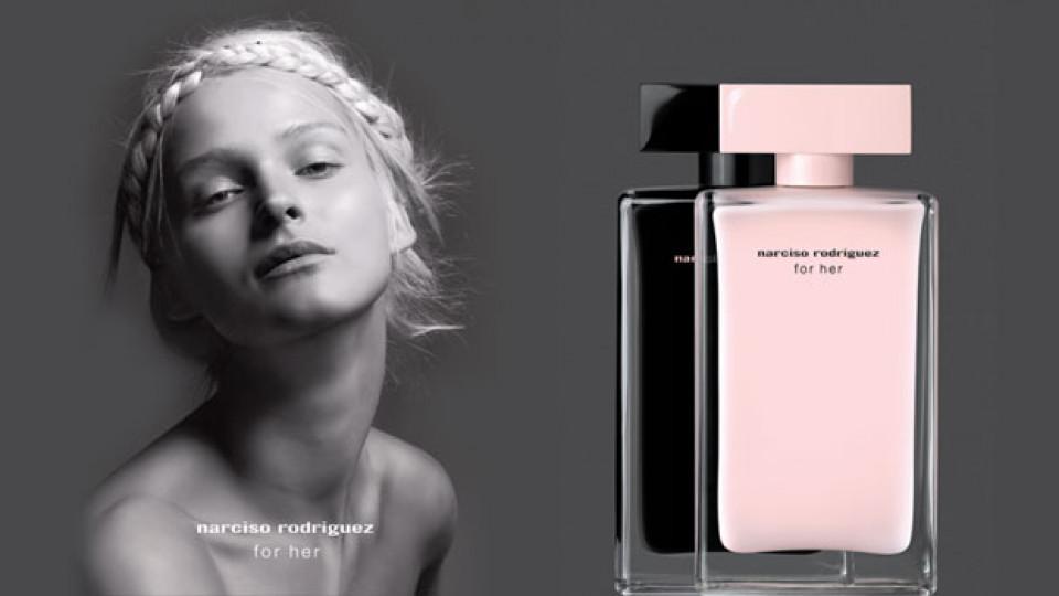 Мускусното масло в Narciso Rodriguez For Her и красотата на Кармен Каас са част от тайната на аромата