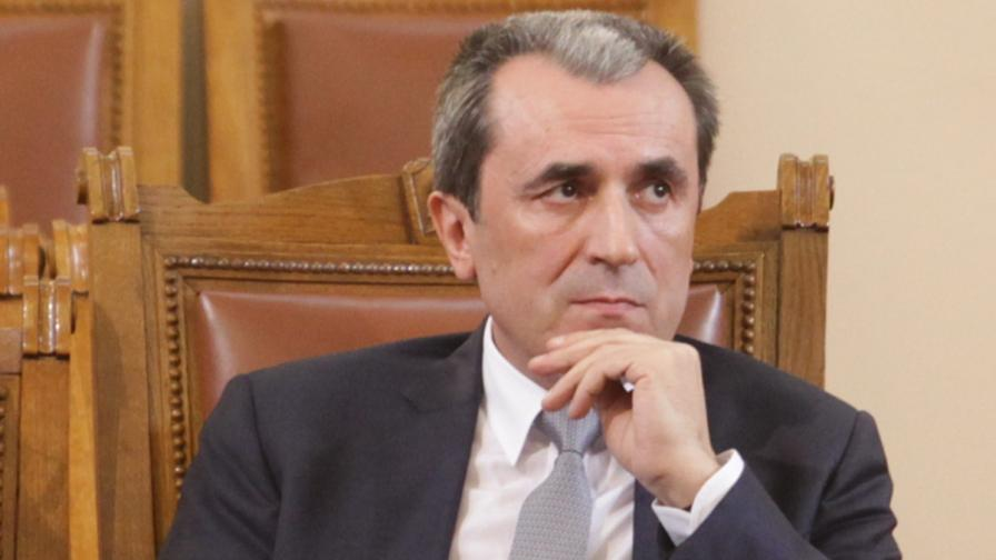 """""""Файненшъл таймс"""": България се готви за предсрочни избори, разнебитеното правителство се оттегля"""