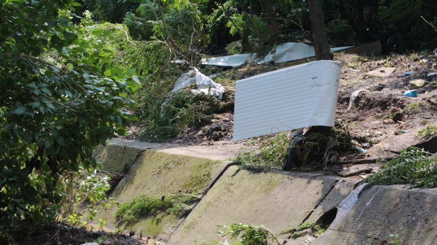 """Стената на язовир """"Ботево"""" се скъса, няма приливна вълна"""