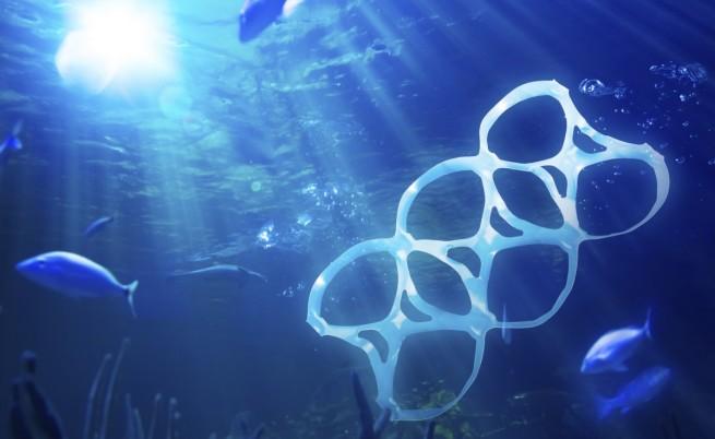 Пластмасовите отпадъци застрашават живота в океаните