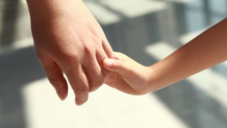 книга психолог осиновяване деца семейство родители съвети