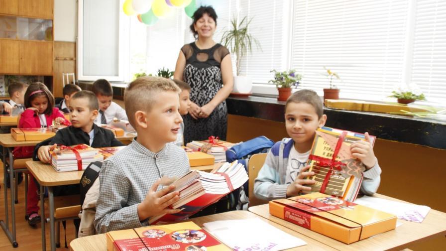 Предлагат и учениците до 4-ти клас да повтарят