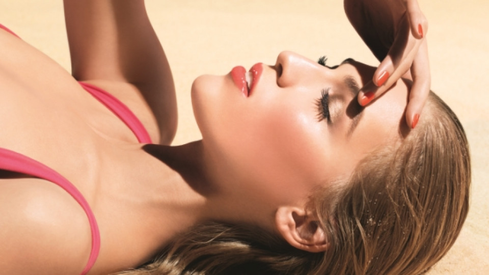 Maкиажът на лятото носи очарованието на целунатата от слънцето кожа