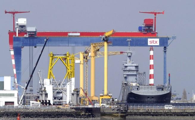 """400 руски моряци поемат корабите """"Мистрал"""" във Франция"""