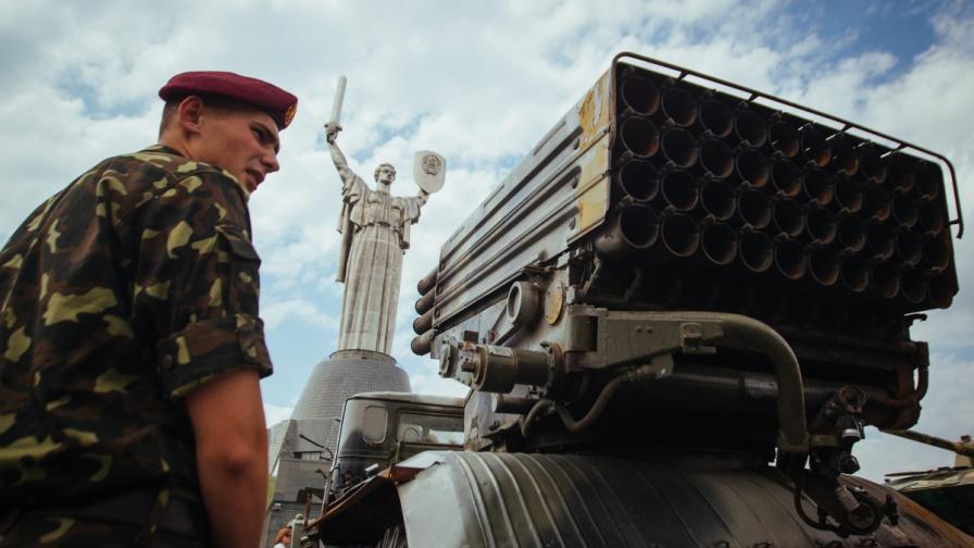 Киев съобщи за масирани удари срещу сепаратистите