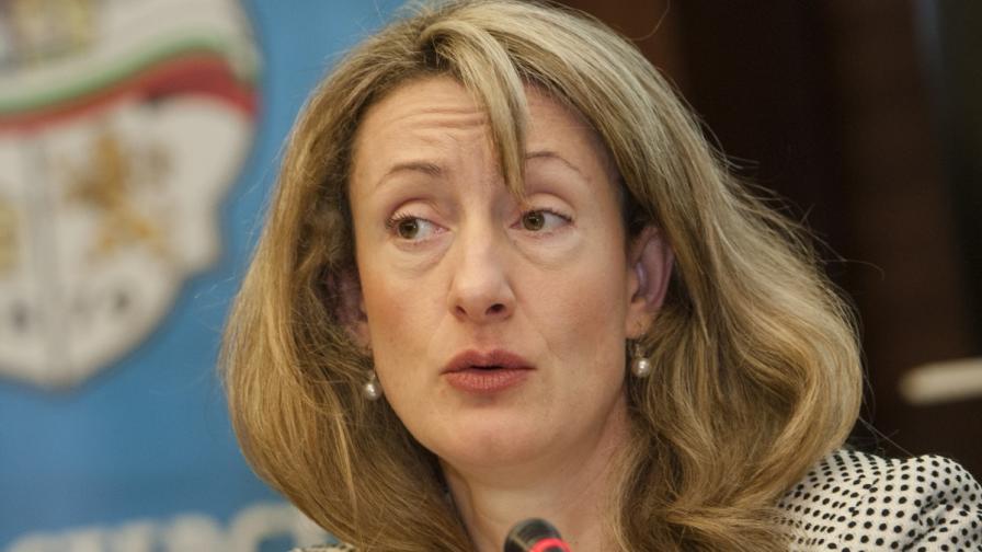 Зинаида Златанова: ЕС може да отблокира 1 млрд. лв. спрени пари до края на месеца