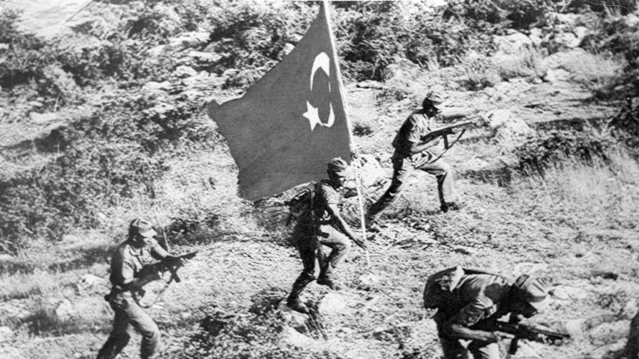 40 г. от турската инвазия, която раздели Кипър на две