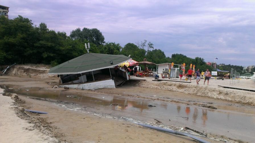 Отменено е бедственото положение в Приморско