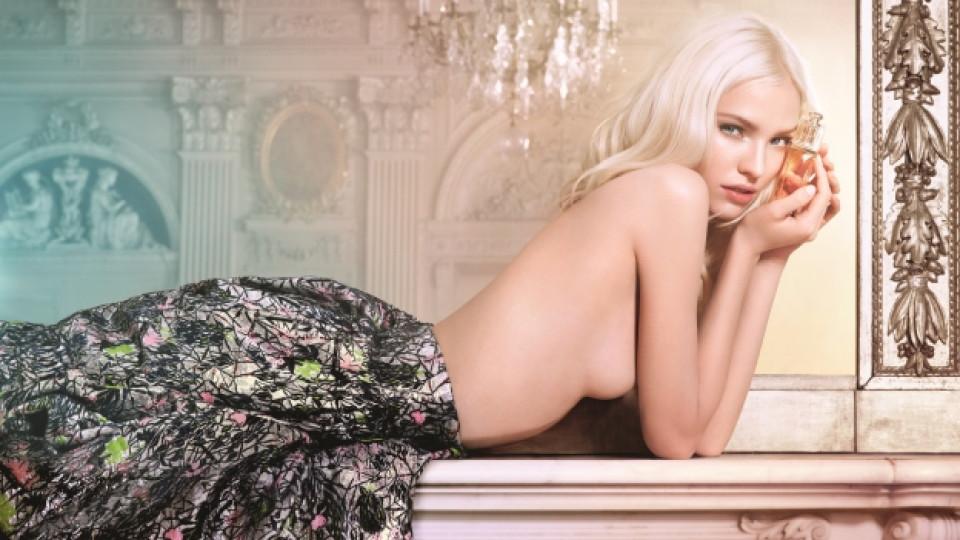 Руският топ модел Саша Лус е лице на провокативната кампания на Dior Addict Eau de Toilette