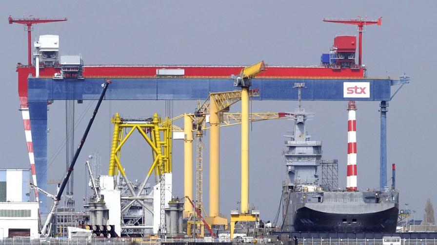 """Един от корабите """"Мистрал"""", които Франция трябва да предаде на Русия"""