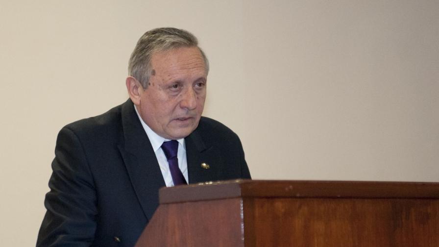Плевнелиев готви министър на Борисов за премиер