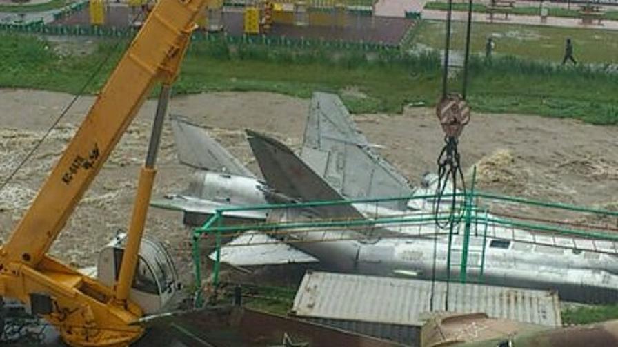 Вятър издуха два самолета в Магадан