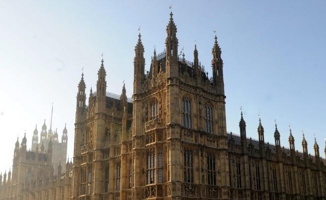 Британският парламент гласува да се признае Палестина за държава