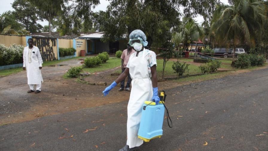 Водещият специалист по ебола на Сиера Леоне почина от смъртоносната болест