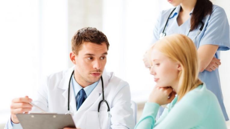 гинеколог преглед менструация болки специалист превенция лекар