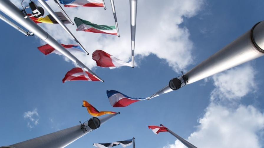 <p>ЕК влоши очакванията за икономиката на България и ЕС</p>