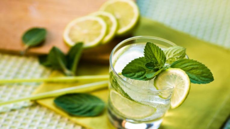 мента чай тонизираща напитка как да стомах стрес лимон