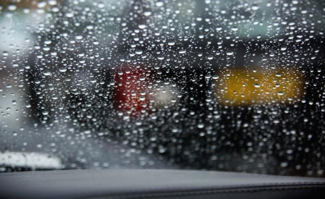 Дъждове наводниха улици в Пазарджик
