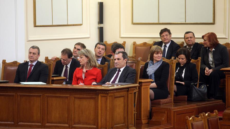 """ИДП: Митът """"експертно правителство"""" е изчерпан, трябва кабинет на мнозинството"""