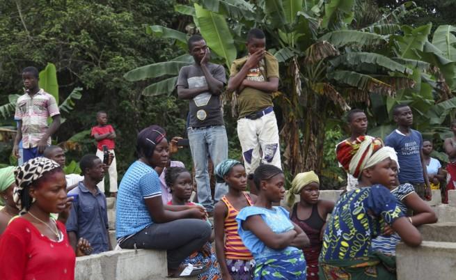 Селяните в Либерия зазиждат живи болните от ебола