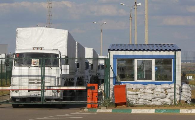 """Руският хуманитарен конвой навлезе в Украйна, Киев обвини Москва в """"пряко нашествие"""""""