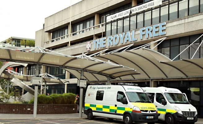 Великобритания си върна свой гражданин, заразен с ебола