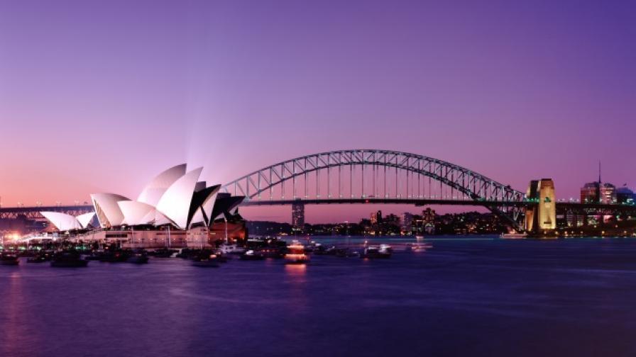 Светещи вълни се появиха край Сидни