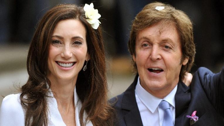 На 9 ти октомври в Лондон Пол се ожени за