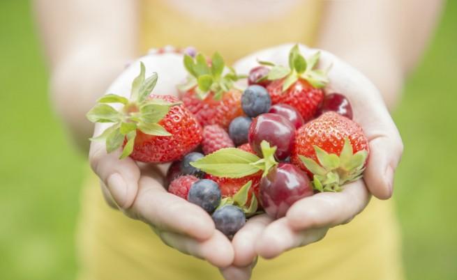 Хапвайте повече плодове за здраво сърце