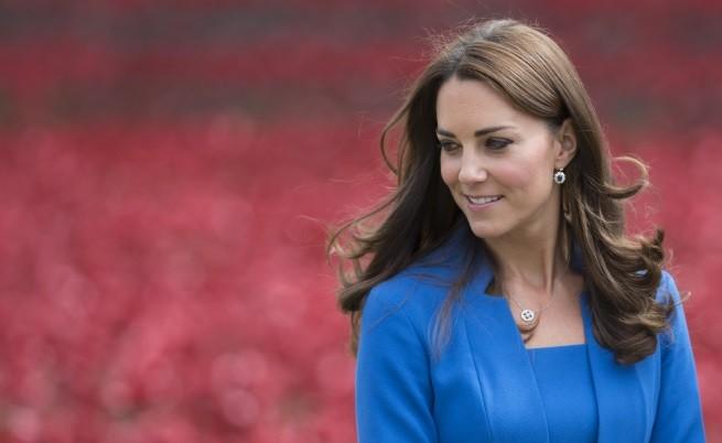 Официално: Очаква се Кейт Мидълтън да роди през април 2015 г.