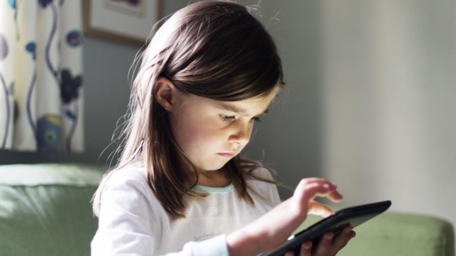 Какви заплахи дебнат децата в интернет и други въпроси за родители