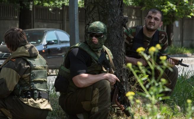 В Източна Украйна се стреля, дипломати се обвиняват взаимно