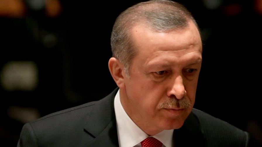 "Турция цензурира изложба заради ""убиеца Ердоган"""