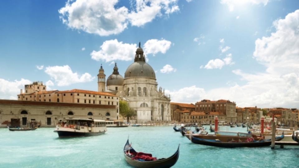 Венеция тръпне в очакване на сватбата на Клуни