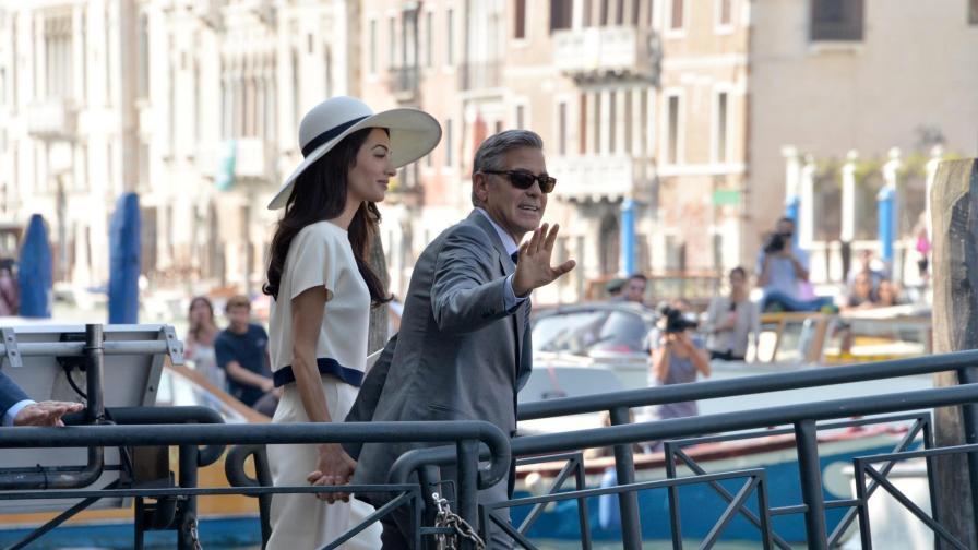 Клуни и Аламудин най-накрая подписаха