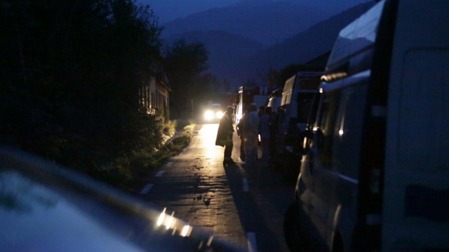 Цял цех е сринат при взрива в Горни Лом, МВР не дава информация за жертвите