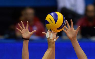 Националният за девойки по волейбол ще се бори за бронза