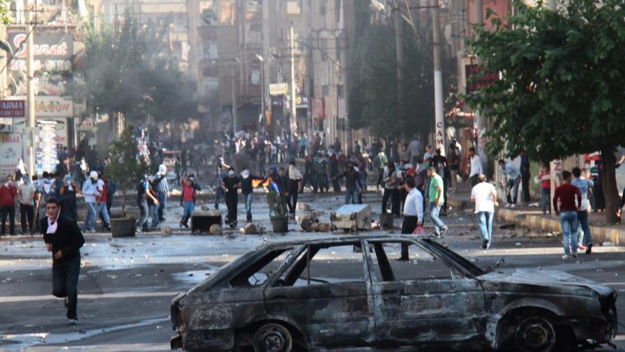 31 са жертвите на протестите в Турция