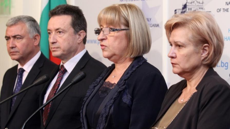 В първия кръг от консултациите ГЕРБ се срещнаха с втората политическа сила БСП лява България
