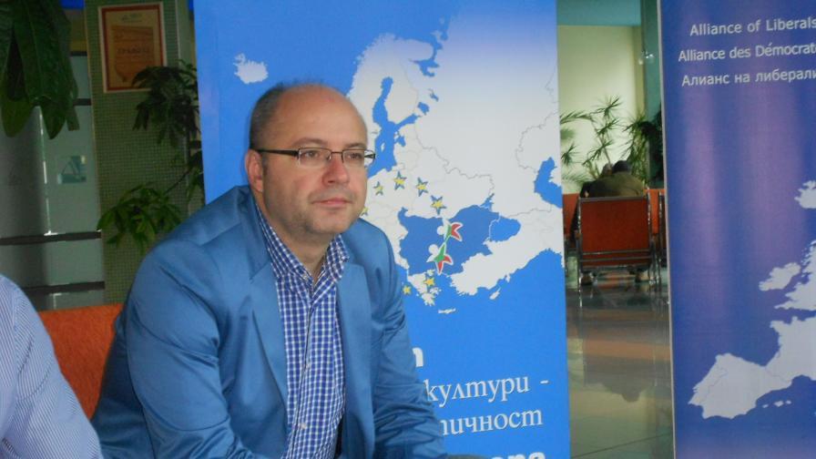 Назначават Метин Казак за посланик, ПФ протестира