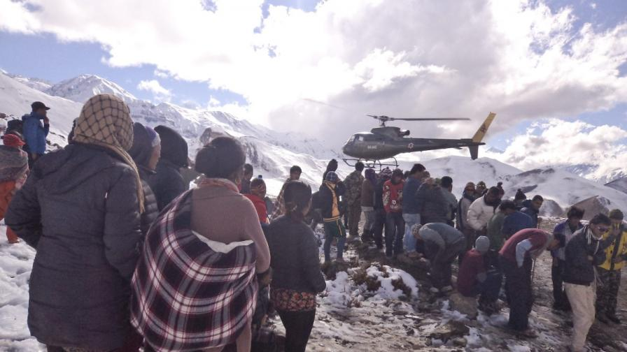 Няма изчезнали българи след снежните бури в Хималаите