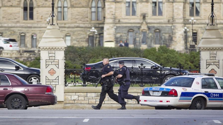 Стрелба блокира канадската столица
