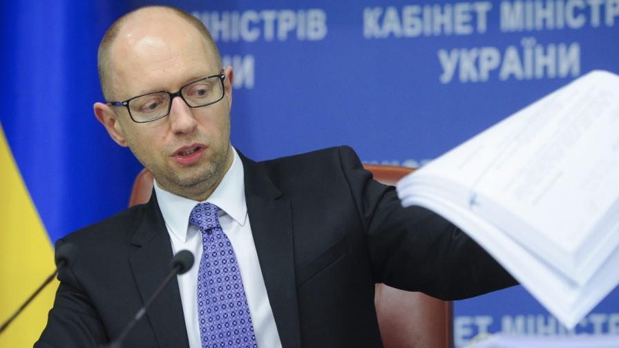 Арсений Яценюк иска отново да е премиер