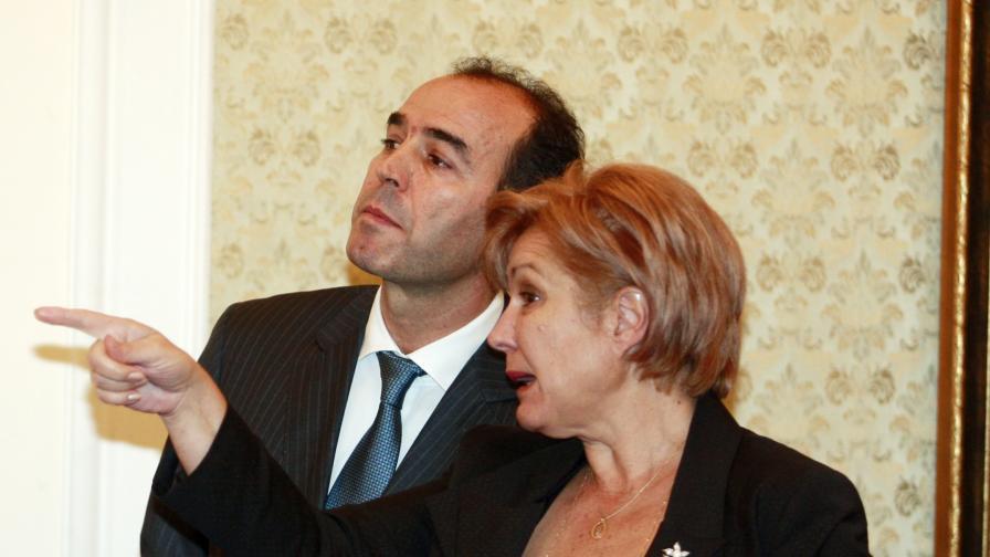 Председателят на бюджетната комисия в НС Менда Стоянова и гуверньорът  на БНБ Иван Искров