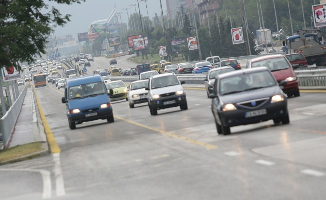 Четири коли се блъснаха на Орлов мост