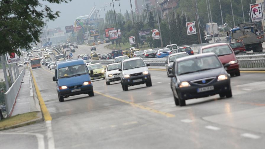 89-годишен шофьор оцеля по чудо след катастрофа в София