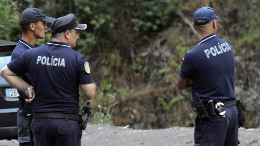 Арест за трима португалци, заробили 34 българи