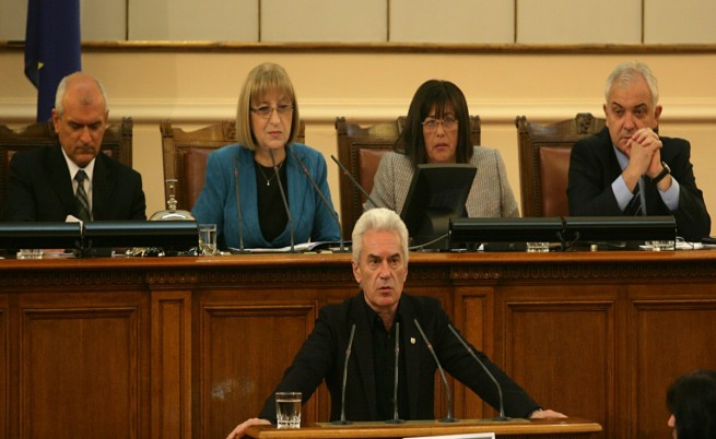 Сидеров: Правителството няма да се бори за интересите на народа