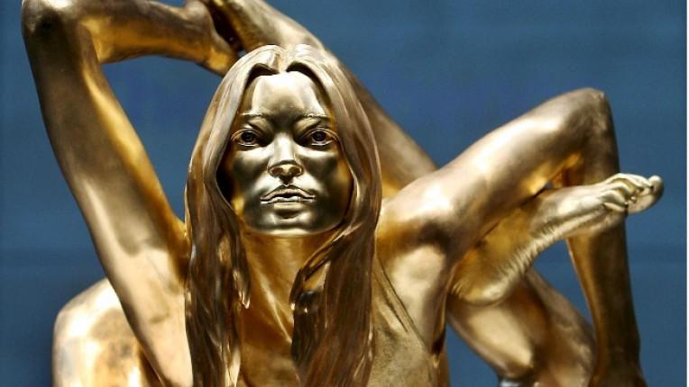 Сирена златната Кейт Мос